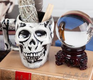 Menlo Park Antiqued Skull Mug